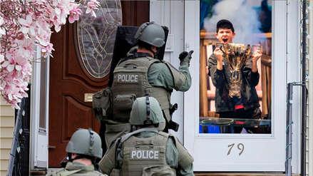 Equipo SWAT irrumpe en la casa de campeón mundial de Fortnite que ganó $3 millones durante streaming
