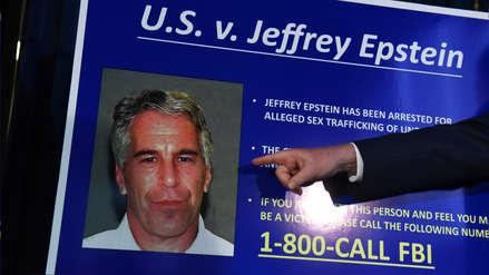 Indignación y teorías del complot en EE.UU. tras la muerte en prisión de Epstein