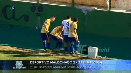 ¡Qué dolor! El viral del jugador uruguayo que fue a celebrar un gol con su hinchada y terminó cayendo en una fosa