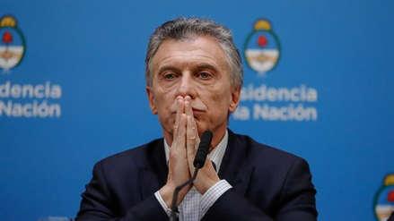 Depreciación del peso y alza del riesgo país: Los efectos de la derrota de Mauricio Macri en las primarias de Argentina