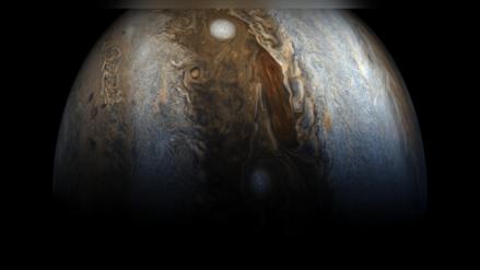 Olvida lo que aprendiste: Júpiter no gira alrededor del sol como el resto de planetas