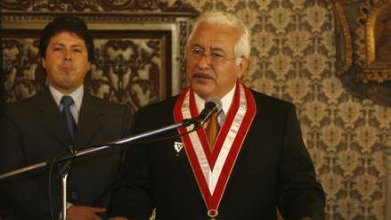 Luis Cervantes fue reelegido y será rector de la Universidad Garcilaso de la Vega hasta el 2024