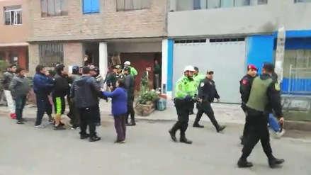 Santa Anita: Mujer denuncia que policía disparó a su esposo durante trifulca por crimen de empresario