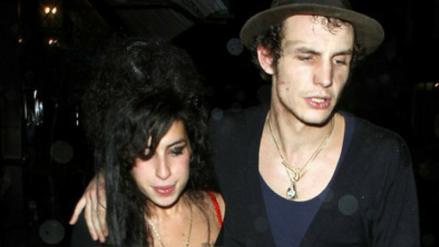 Exesposo de Amy Winehouse intentó vender fotos íntimas de la cantante