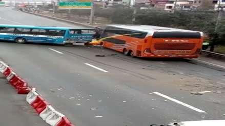 Chofer de bus interprovincial desmiente que chocó el micro a propósito y señaló que fue un