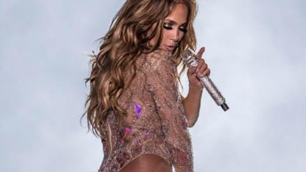Jennifer López es demandada por utilizar transparencias durante su concierto en Egipto