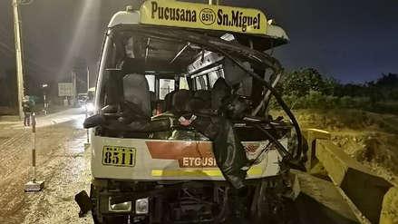 Un muerto y 14 heridos graves tras accidente de cúster en un puente de Lurín