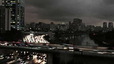 Sao Paulo se oscureció a las tres de la tarde a causa de los incendios forestales en la región amazónica