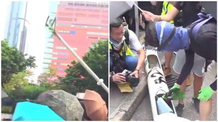 Protestas en Hong Kong: Manifestantes tumbaron farola inteligente por temores a ser reconocidos [VIDEO]