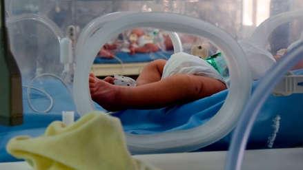 Pareja de veganos fue condenada por provocar desnutrición a su bebé bajo su estricta dieta