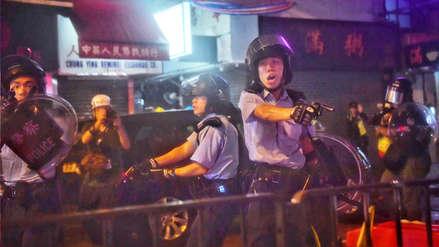 """Policía de Hong Kong reconoce disparos """"de advertencia"""" para disuadir a manifestantes"""
