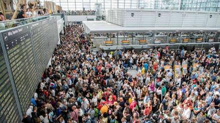 Un joven entra por error a un acceso restringido y provoca la cancelación de 130 vuelos en Múnich