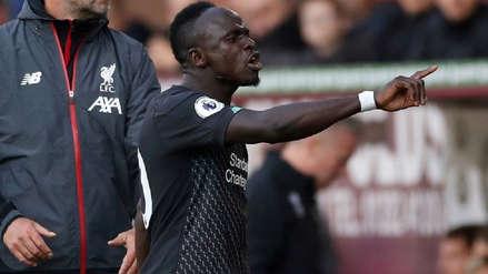¡Nada contento! El enfado de Sadio Mané con Mohamed Salah tras ser sustituido frente a Burnley