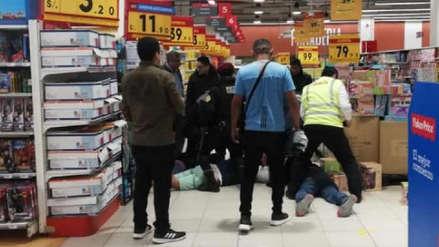 La Policía detuvo a un grupo de personas que causó alarma en centro comercial de Chiclayo [VIDEO]