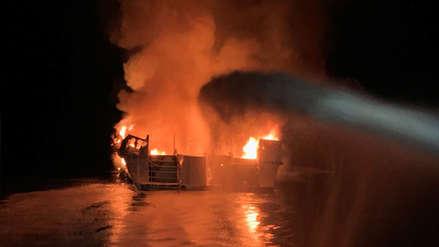 Al menos ocho muertos y 26 desaparecidos tras hundimiento de un barco en llamas en California