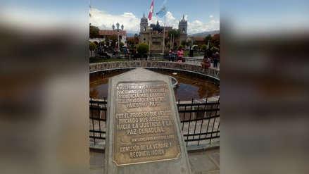 Al pie de la plaza de Ayacucho
