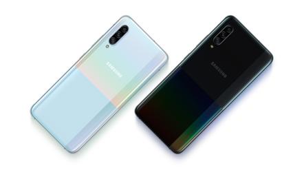 Samsung presenta su nuevo teléfono A90 para redefinir la gama media a golpes