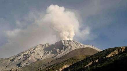 El volcán Ubinas registró tres explosiones en menos de 24 horas [VIDEO]
