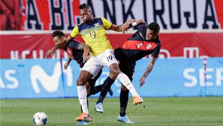 ¡Casi nos meten gol! El gran error de Anderson Santamaría en el amistoso entre Perú y Ecuador