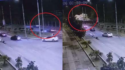 Video del impresionante choque de dos vehículos que realizaban 'piques' en la Costa Verde