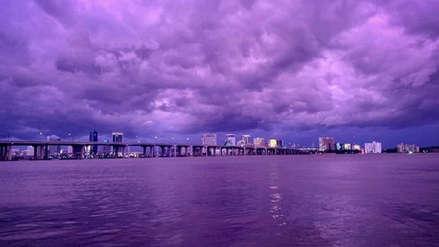 El extraño cielo púrpura que dejó el huracán Dorian durante su paso por Florida