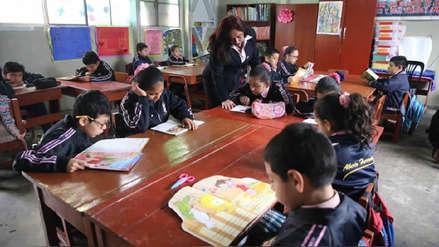 Ministerio de Educación anuncia que triplicará presupuesto para bibliotecas en los colegios