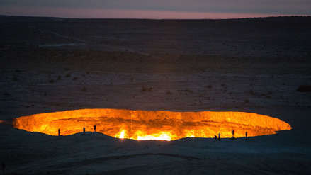 'La puerta al infierno': El gigantesco cráter de fuego con el que este país de Asia busca aumentar su turismo