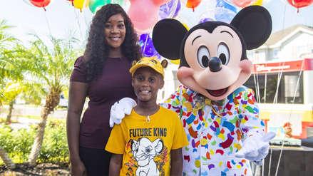 El niño de 7 años que usó todos sus ahorros para ayudar a evacuados por Dorian recibe una sorpresa