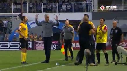 ¡Se calentó! Jorge Sampaoli casi se va a las manos con DT de Atlético Paranaense en empate de Santos