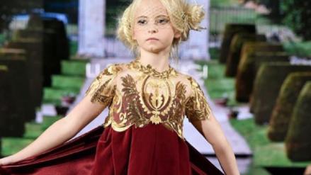 Una niña con ambas piernas amputadas cumplió su sueño de desfilar en el New York Fashion Week