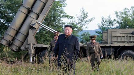 Corea del Norte realizó prueba con lanzador múltiple de cohetes y Kim Jong-un supervisó el ensayo