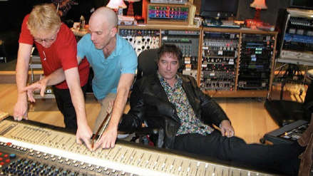 La banda R.E.M. lanzó el tema