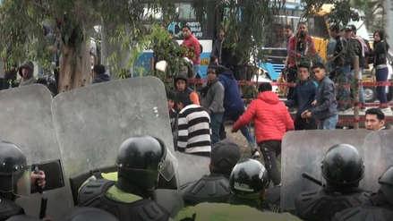Mototaxistas informales atacan con piedras a policías y trabajadores de Municipalidad de Surco