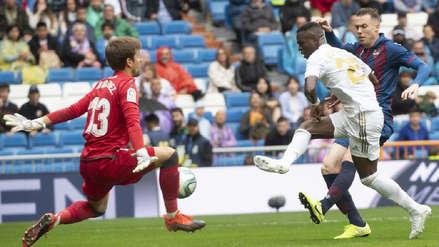 ¡Tapó de todo! Aitor Fernández recibió tres goles del Real Madrid, pero fue la figura y estas atajadas lo demuestran