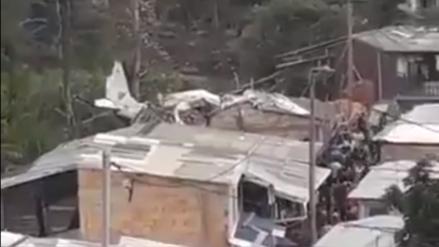 Siete personas murieron al desplomarse una avioneta sobre casas en ciudad de Colombia