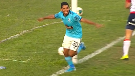 Cristian Palacios le dio el triunfo a Sporting Cristal con este gol al final del segundo tiempo