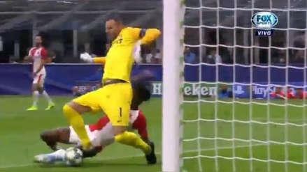 Se 'sobró' y casi le anotan al Inter: la temeraria salida de Handanovic en la Champions