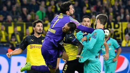 ¡Su propio compañero! El fuerte golpe que recibió Paco Alcácer en el Barcelona vs. Borussia Dortmund