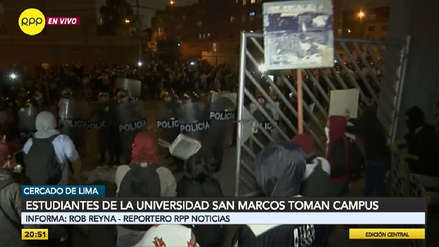 Estudiantes de la UNMSM se enfrentaron a la Policía por toma del campus universitario