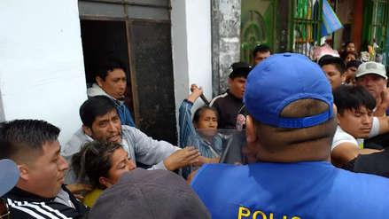 Chiclayo | Ambulantes golpean con palos a policías municipales por disputas en el mercado Modelo