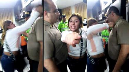 Mujer agredió a policía al interior de comisaría en San Juan de Lurigancho [VIDEO]