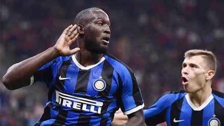 Inter ganó 2-0 el derbi al Milan y sigue de líder de la Serie A de la liga italiana