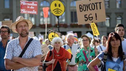 ¿Por qué miles de personas protestan en Suiza contra la implementación de la red 5G? [FOTOS]