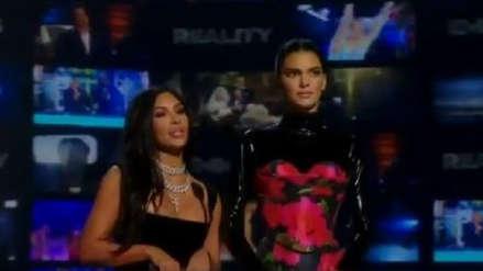Kim Kardashian, Kendall Jenner y el incómodo momento que vivieron en los Emmy 2019