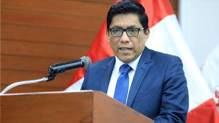 Ministro Zeballos: se debe suspender elección de miembros del TC