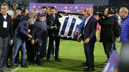 Como un grande: el emotivo homenaje a Diego Maradona de parte de Talleres de Córdoba