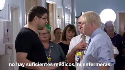 """""""¿Le gustaría esto para sus hijos"""": Padre de niña enferma encaró a primer ministro de Reino Unido [VIDEO]"""