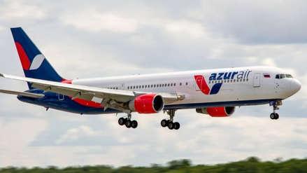 Aterrizaje de emergencia de avión Boeing dejó casi 60 heridos en Siberia