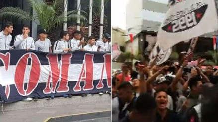 Así fue el banderazo de los hinchas de Alianza Lima previo al partido ante Universitario de Deportes