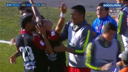 Kevin Ruiz le ganó el duelo aéreo a Renzo Revoredo y anotó el gol del empate de UTC